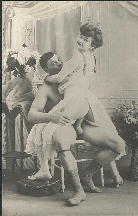 Эротические фото девушек и мужчин начала 19 века.